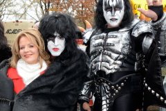 KISS_EricSingerGeneSimmonsPaulStanleyTommyThayerReneeFleming_11271401b